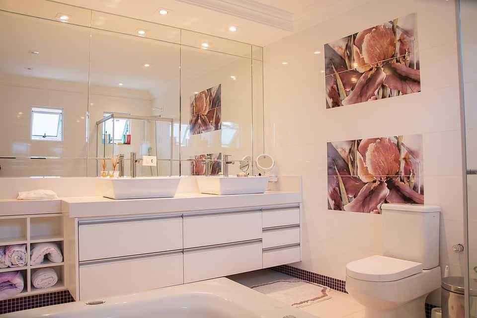 Отстраняване на боя от санитарни плочки