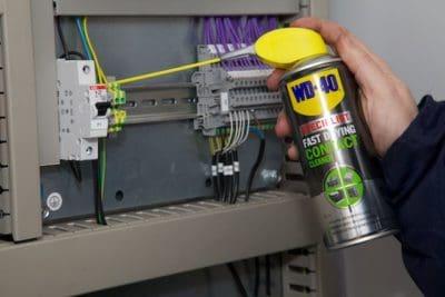 Бързосъхнещ почиствател за ел.контакти