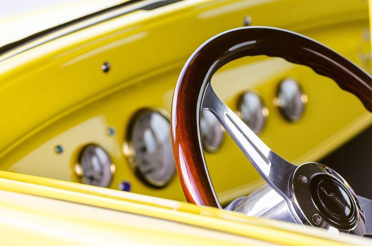 Почистване на волана на автомобила - лесни решения!