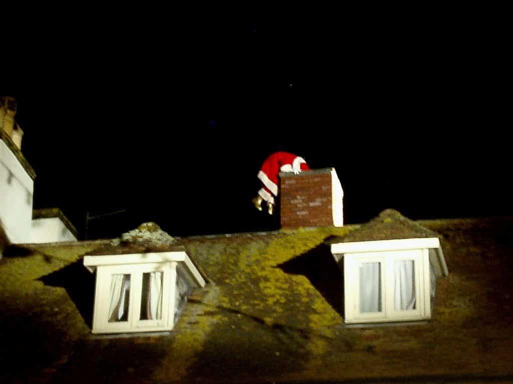 Santa Vám uvízl v komínu? Nic se neděje, použijte přípravek WD40!