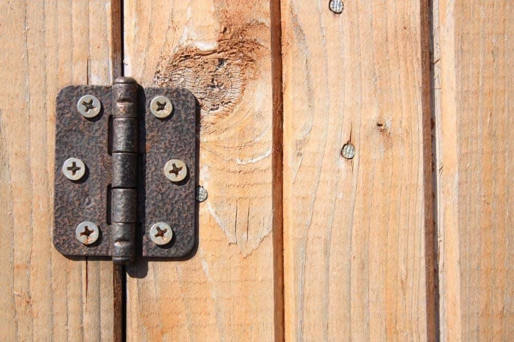 Způsoby, kterými můžete mazat závěsy všech dveří