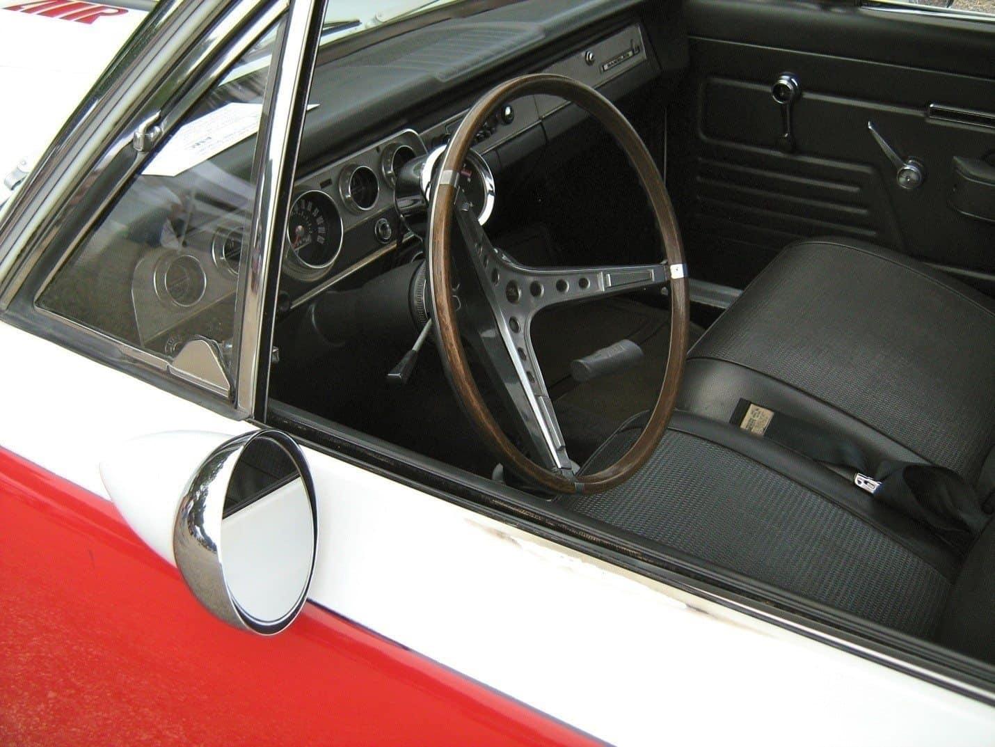 Jak čistit a chránit gumové těsnění oken automobilu silikonovým mazivem