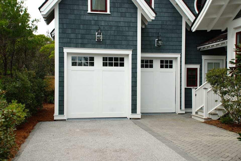 garage door 2578740 960 720