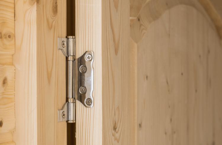 řešení problému vrzajících dveří