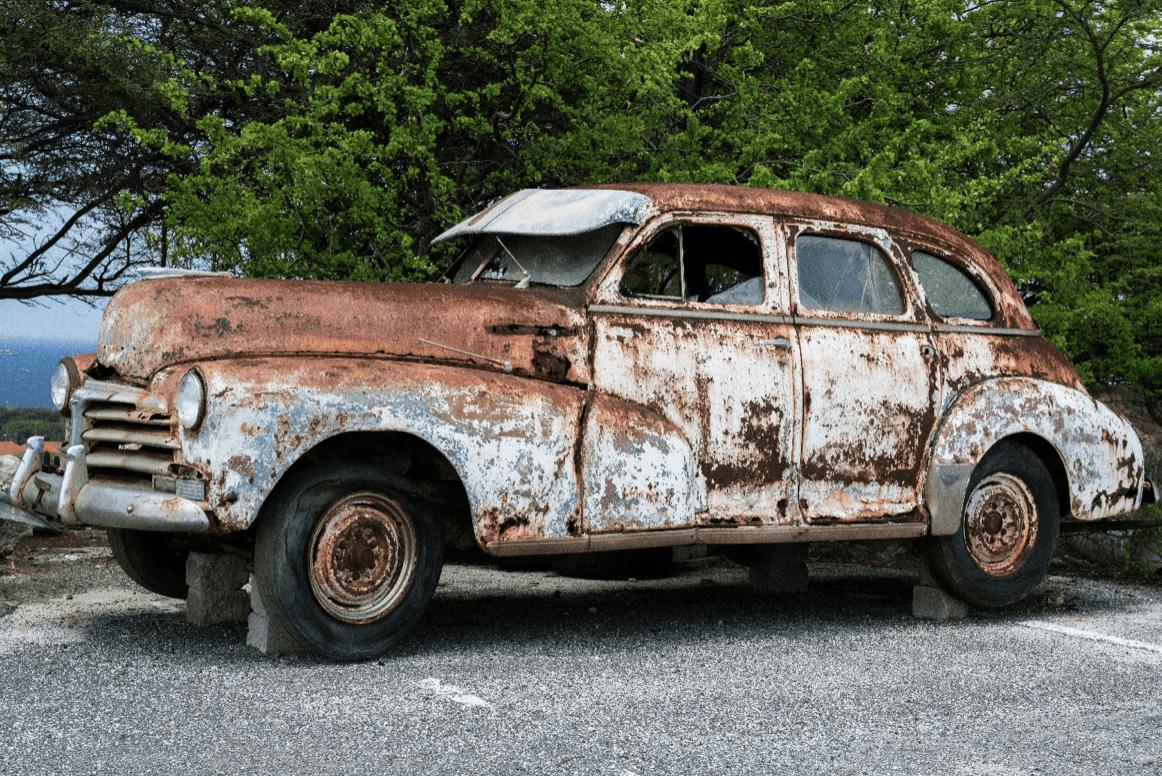 Zaparkovaný automobil