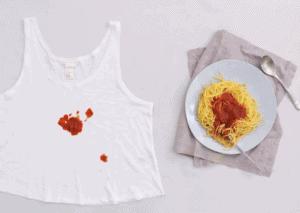 Sådan fjerner du tomatpletter fra dit tøj