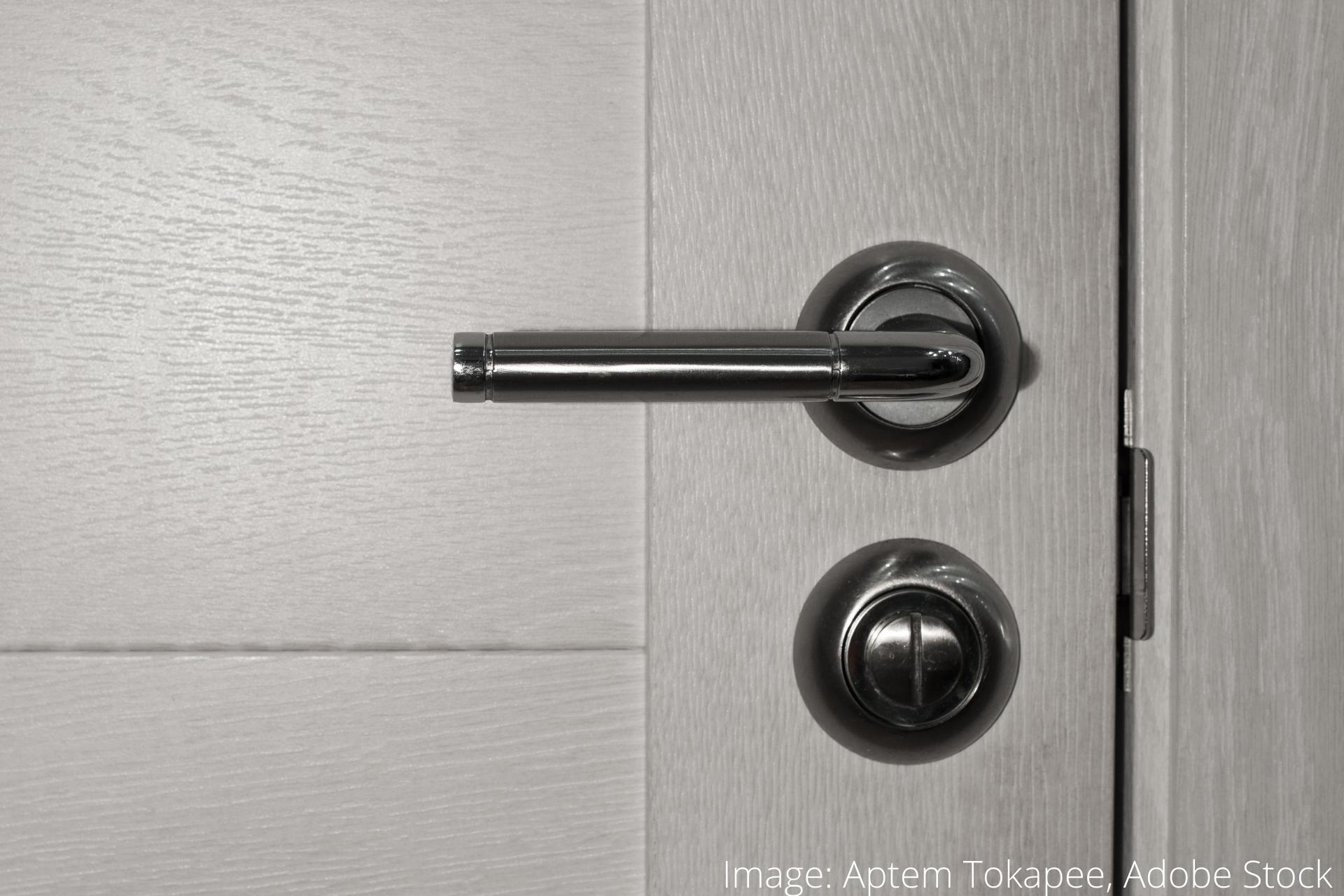 hvordan du nemt renser dørhåndtag (1)