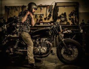 Motorradpflege - Startprobleme? Starthilfe mit WD-40