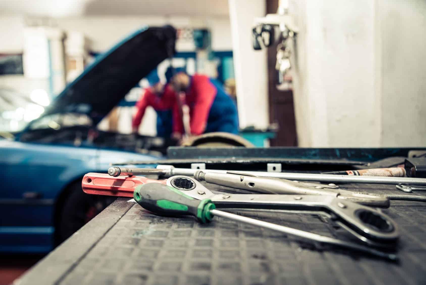 Werkzeug reinigen - Warten. Pflegen. Erhalten.