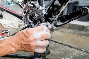 Wie reinige ich mein Fahrrad schnell und günstig?