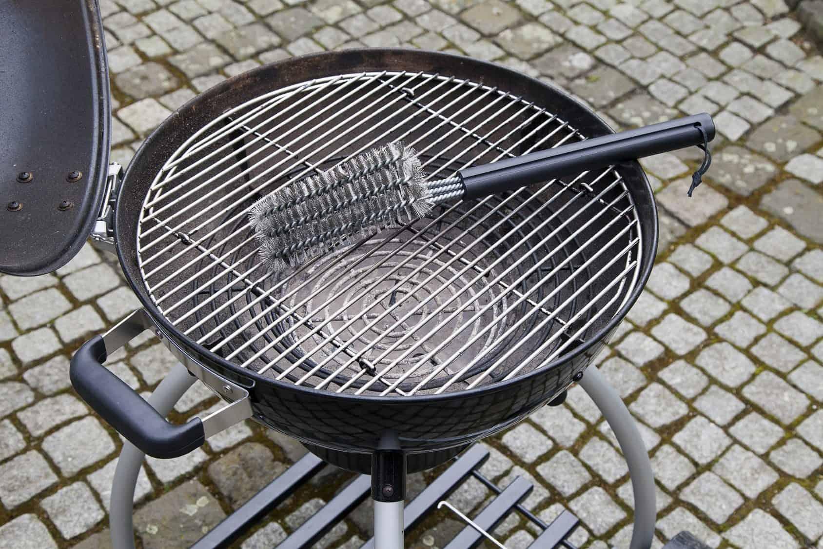 La saison des barbecues - Nettoyez simplement le gril !
