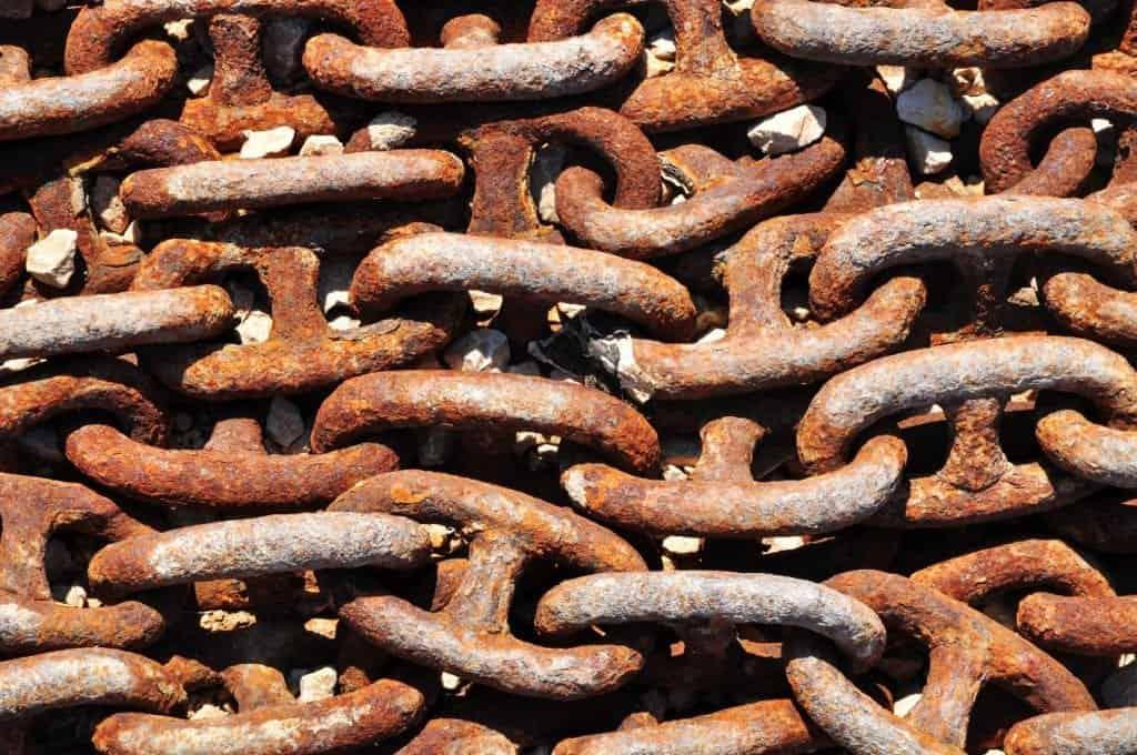 Rost effektiv von Metallgegenständen lösen