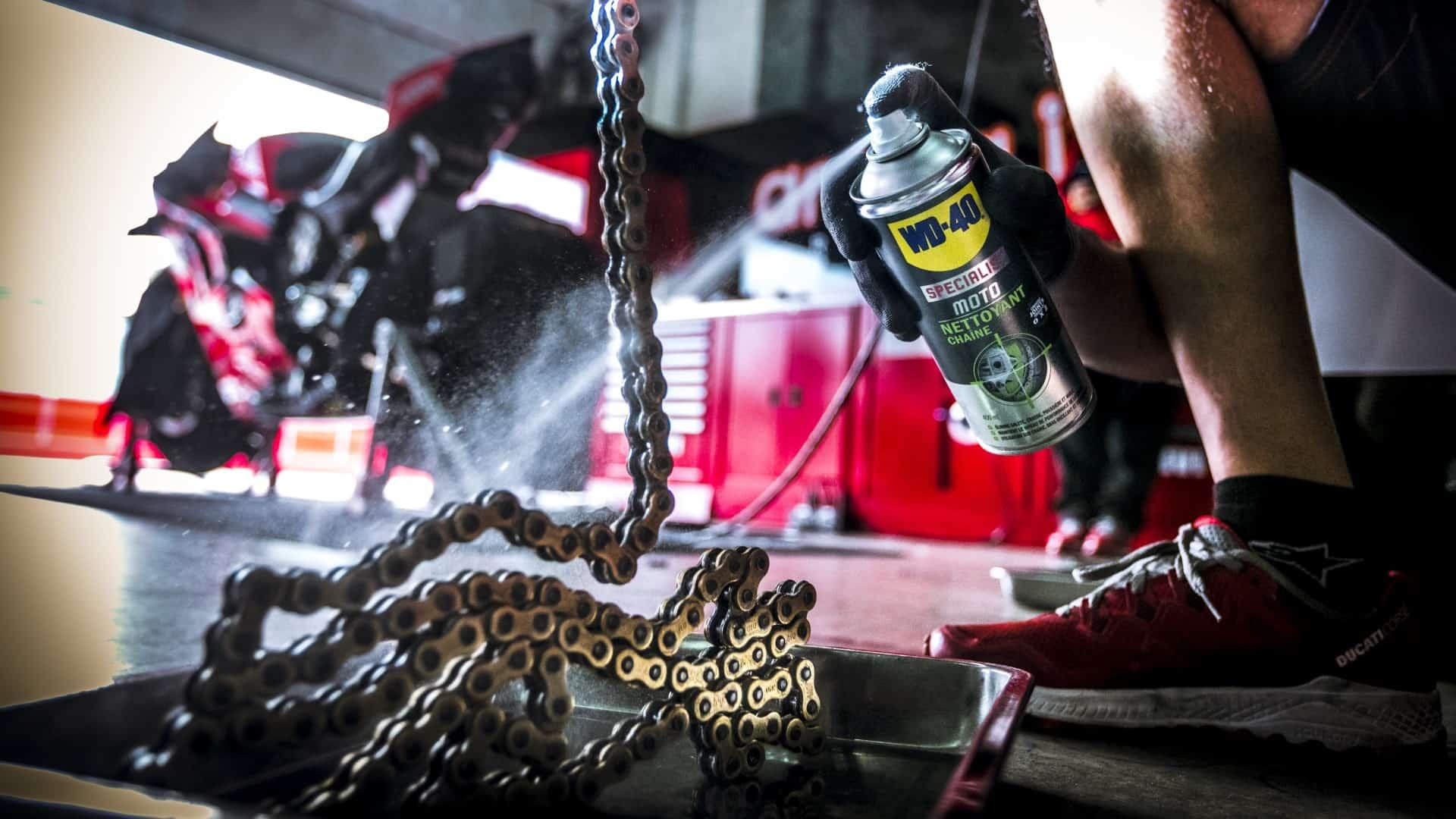 motorradkette reinigen - lubrification des chaînes de moto