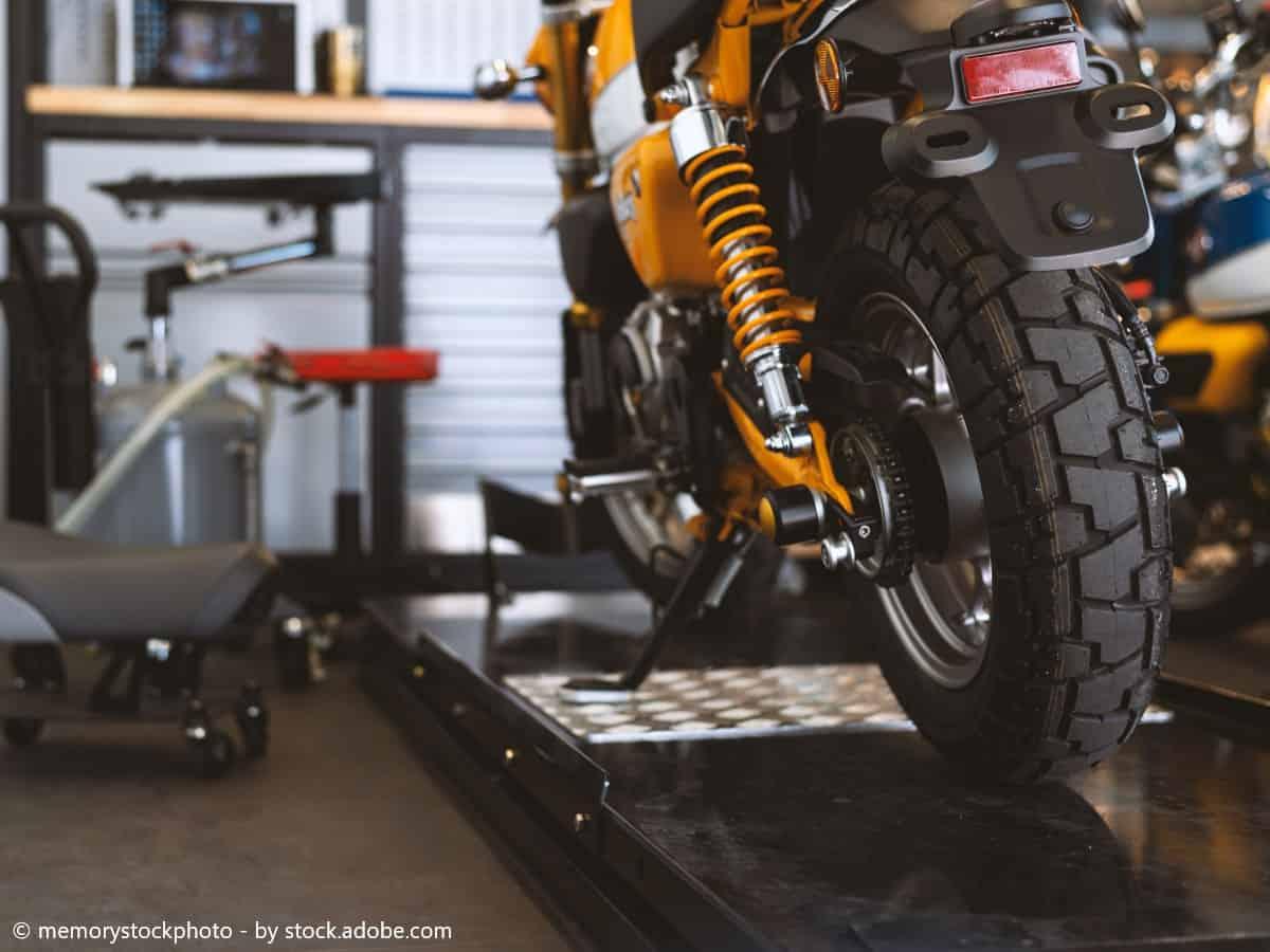 motorrad aufbocken
