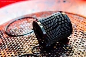 Wie kann ich den Ölwechsel am Auto selbst vornehmen? Eine Anleitung von WD-40