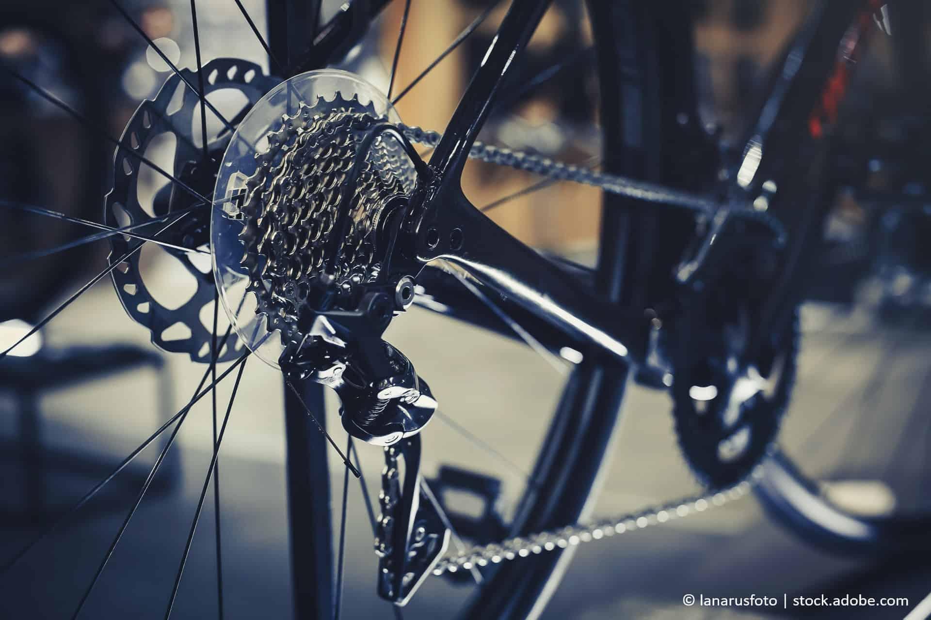 fahrradschaltung einstellen; Mountainbike Fahrradkette richtig reinigen