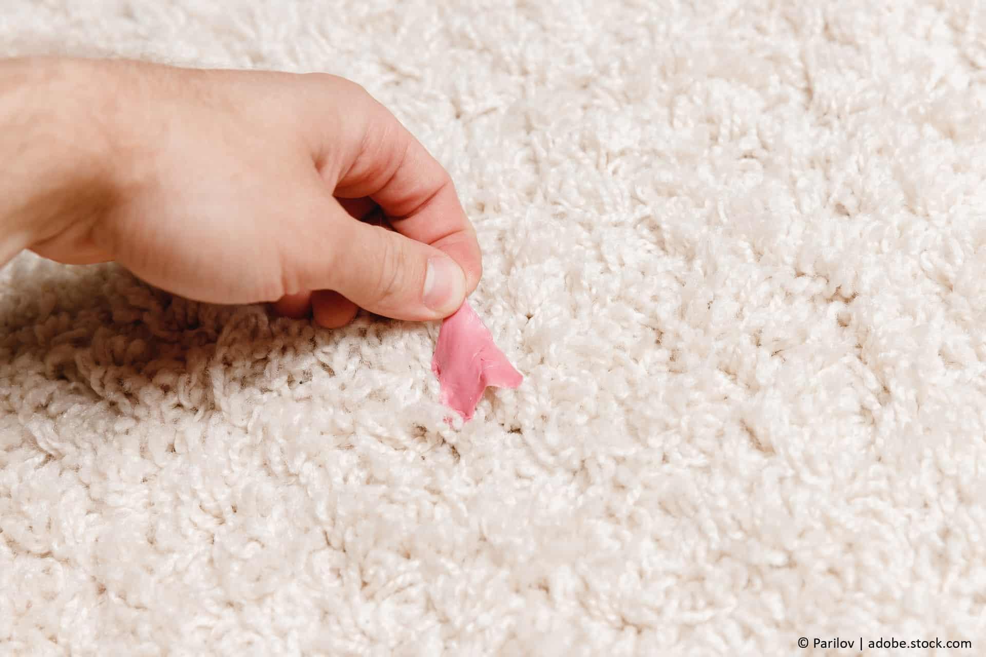 kaugummi aus teppichen entfernen