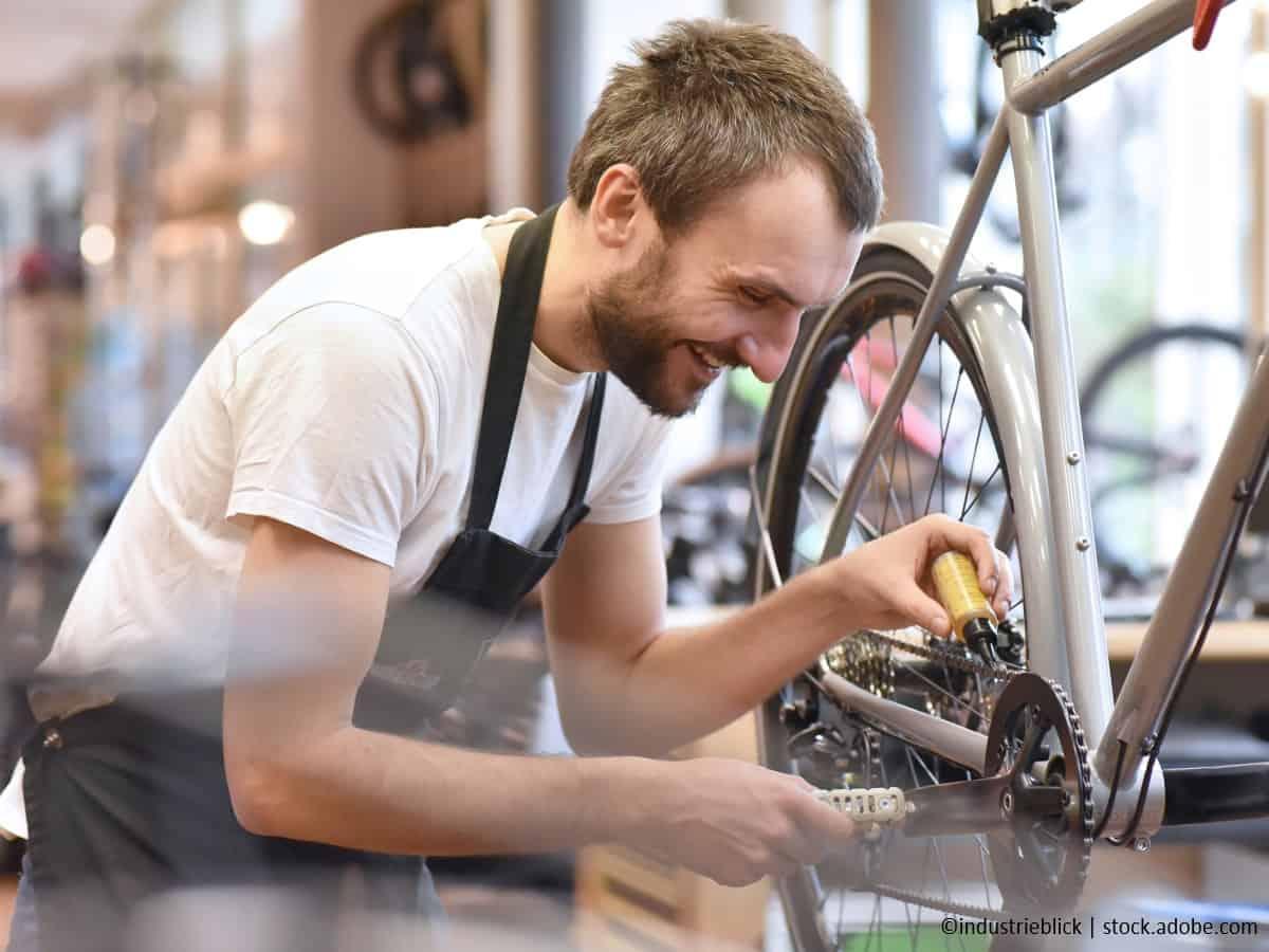 mountainbike fakrradkette schmieren regelmeassig kontrollieren