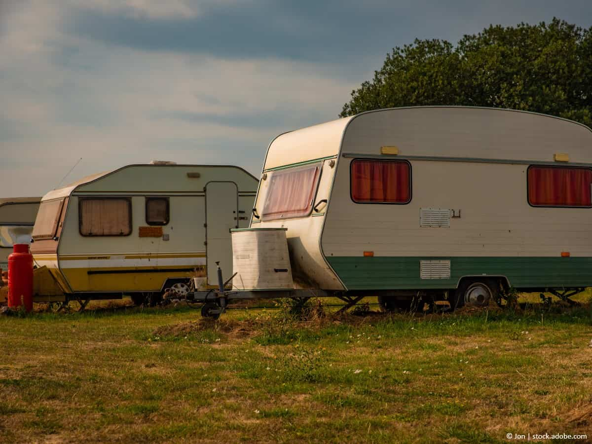 remove rust from caravan