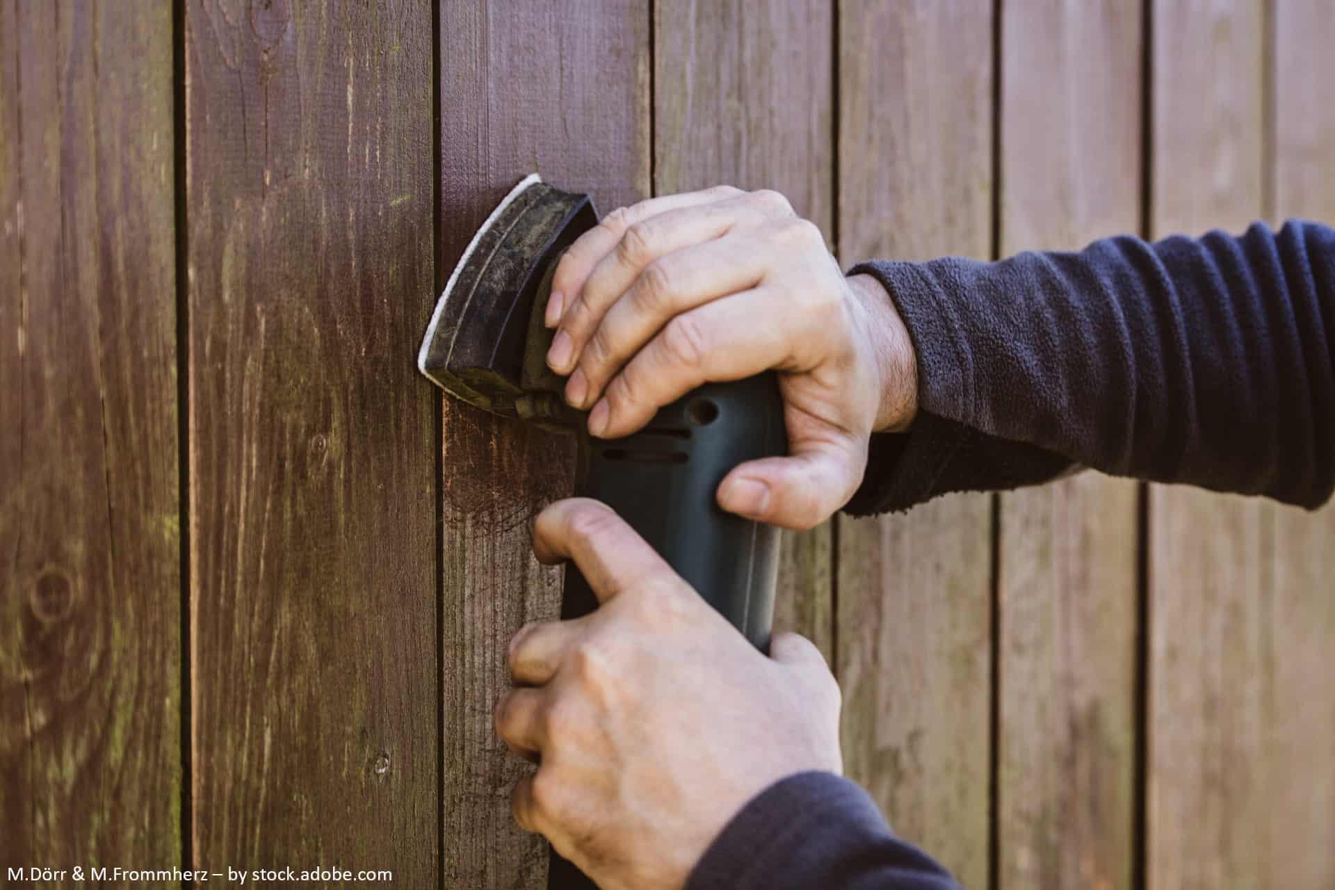 Was tun, wenn man den Tag zu Hause verbringt? Das Gartenhaus renovieren mit der WD-40 Anleitung