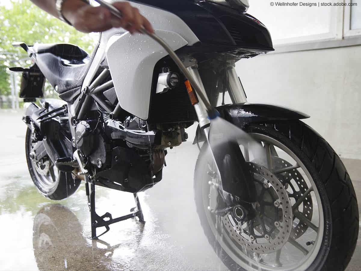 motorradfelden reinigen abspritzen