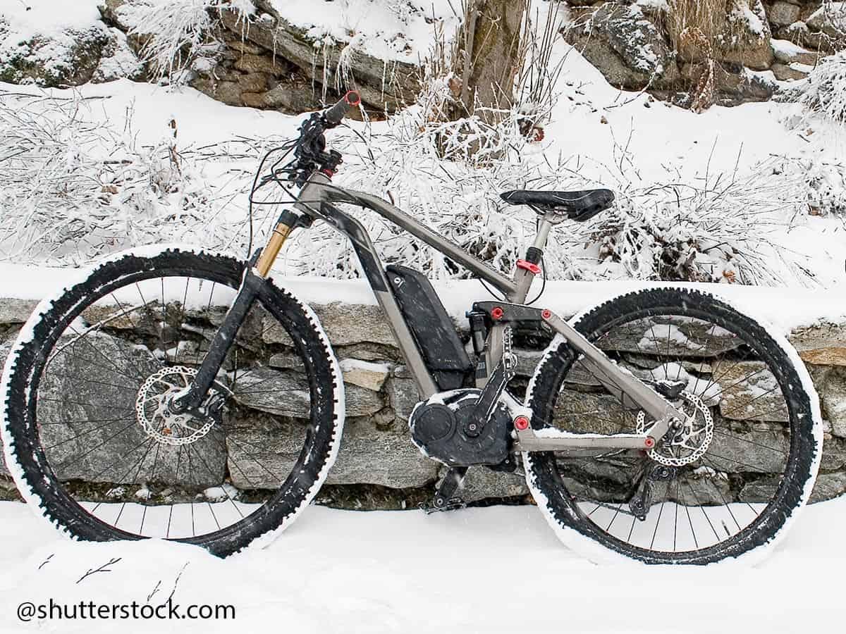 E-Bike Akku warten und vor kealte schuetzen