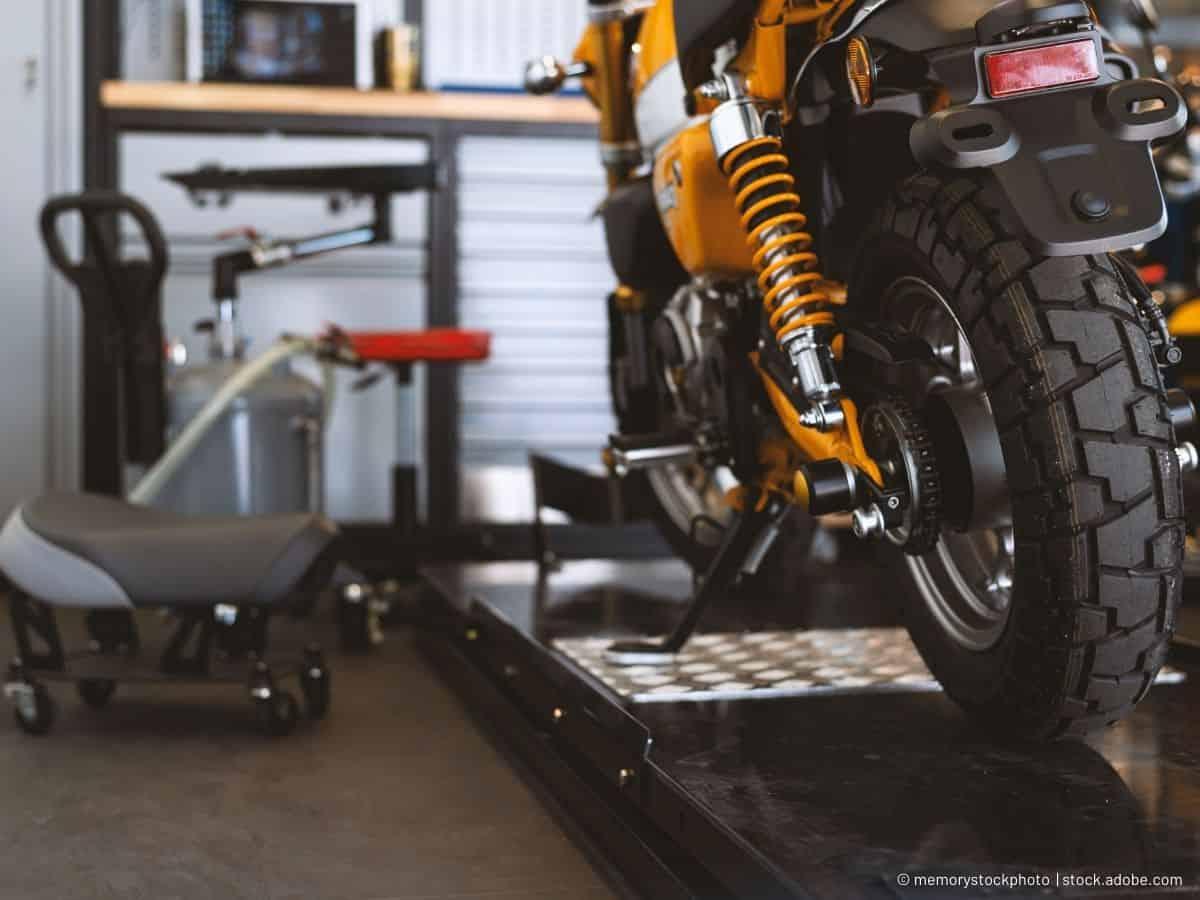 Das Motorrad aufstellen