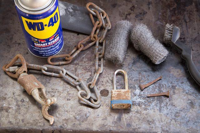 Αφαίρεση σκουριάς από εργαλεία