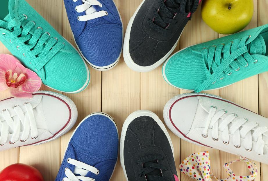 Πως βγαίνει η πίσσα από τα παπούτσια