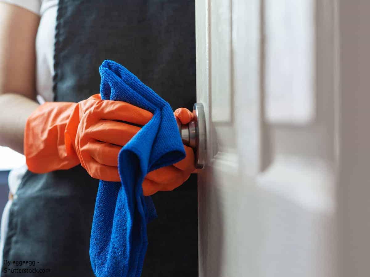 Πως να καθαρίσετε πόμολα πόρτας