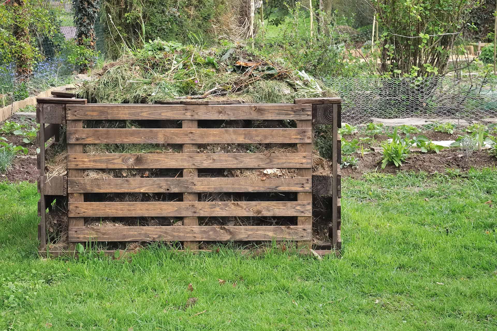 easy compost bins