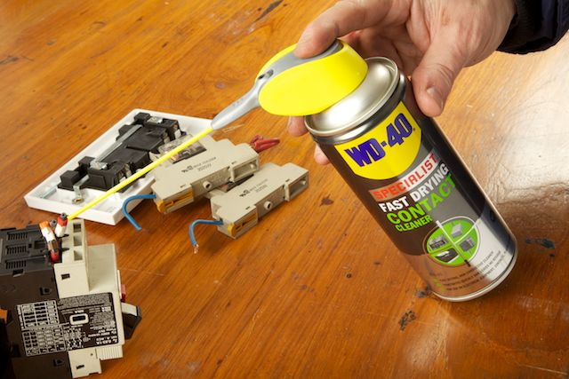 WD-40 Specialist Contact Cleaner precision on fuses