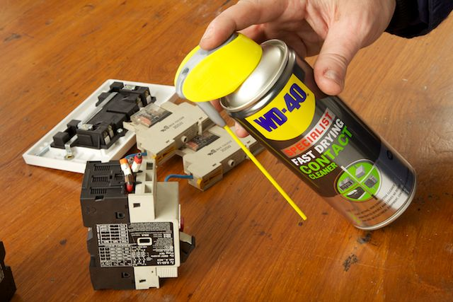 WD-40 Specialist Contact Cleaner on fuses