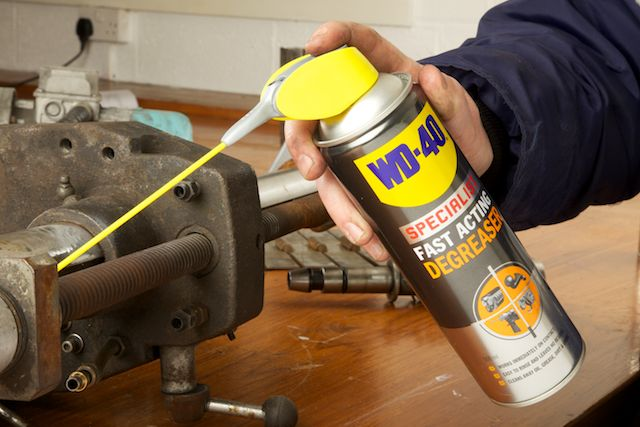 WD-40 Specialist Degreaser on rusted bolts