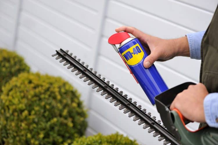 WD-40 HEDGE TRIMMER