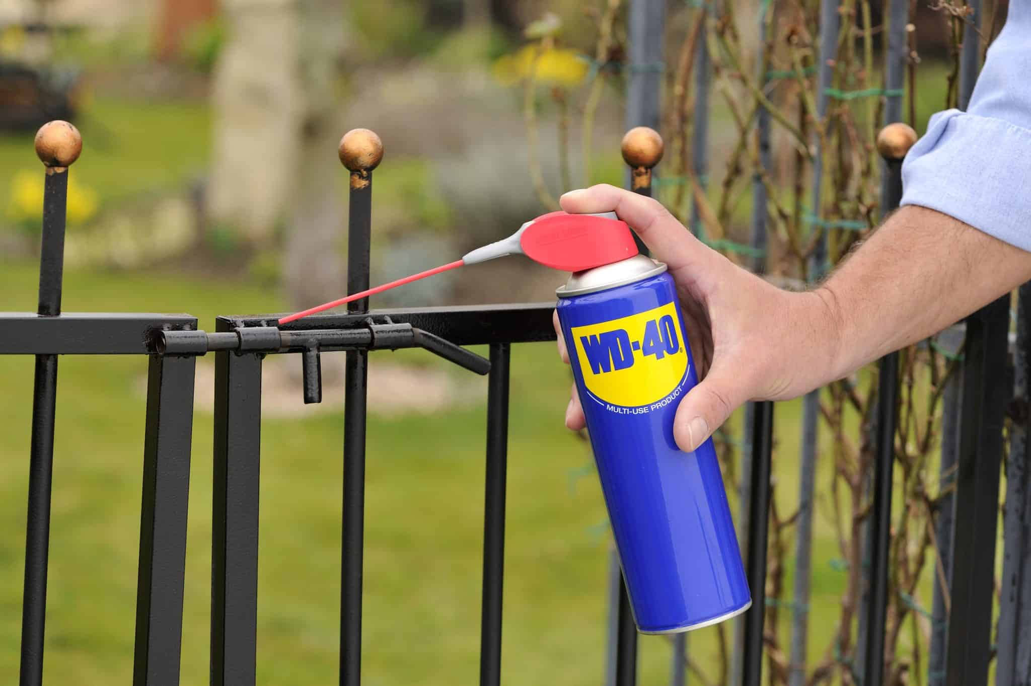 how to use wd-40