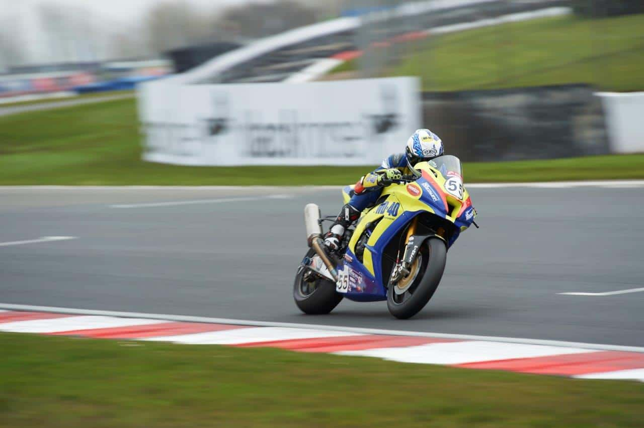 mason law competing in the world superbike championship at donington park