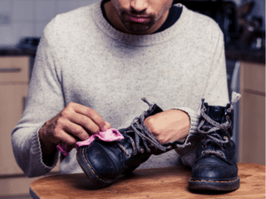 Cleaning and waterproofing your shoes using WD-40
