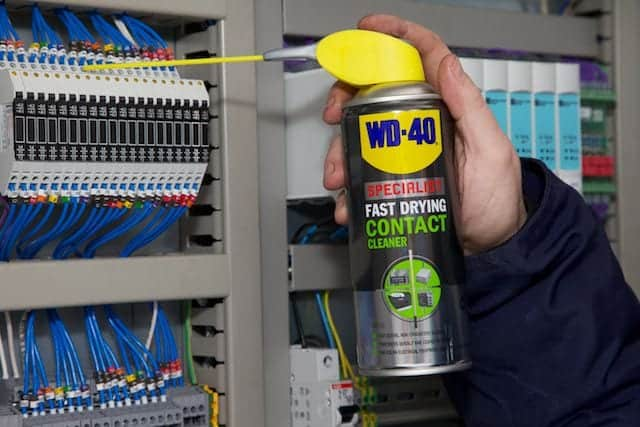 WD-40 Specialist Fast Drying Contact Cleaner - WD-40 UK