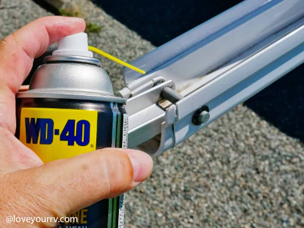 how to correctly lubricate awnings 2