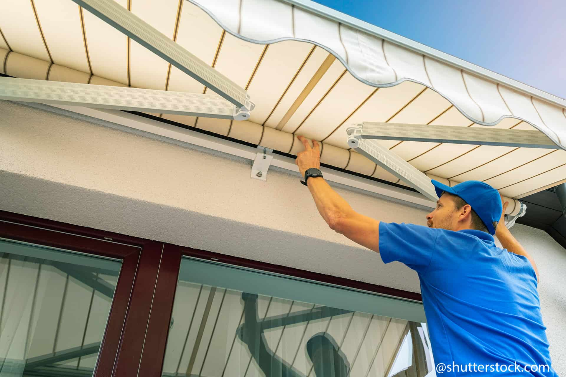 how to correctly lubricate awnings 1