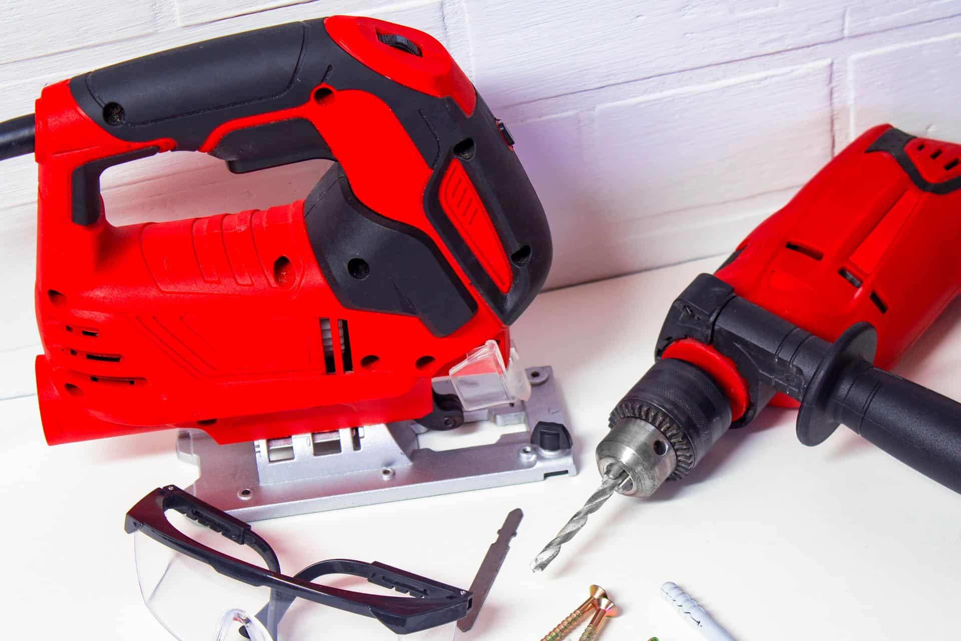 how to maintain your drill and jigsaw 1 (@shutterstock)