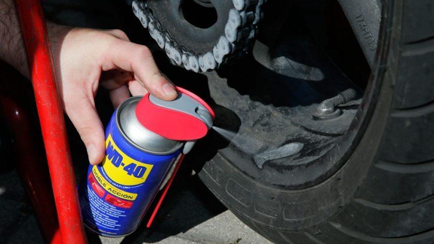 Limpiar las llantas de tu moto nunca fue tan fácil
