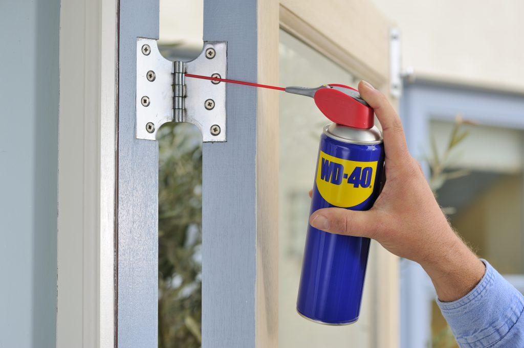 lubricar bisagras de las puertas