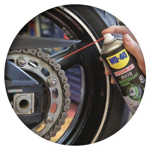 Limpiar la cadena de la moto nunca fue tan fácil con WD-40