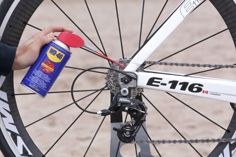 engrasar la cadena de la bici