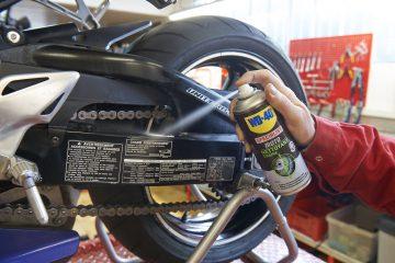 limpiar la cadena de la moto