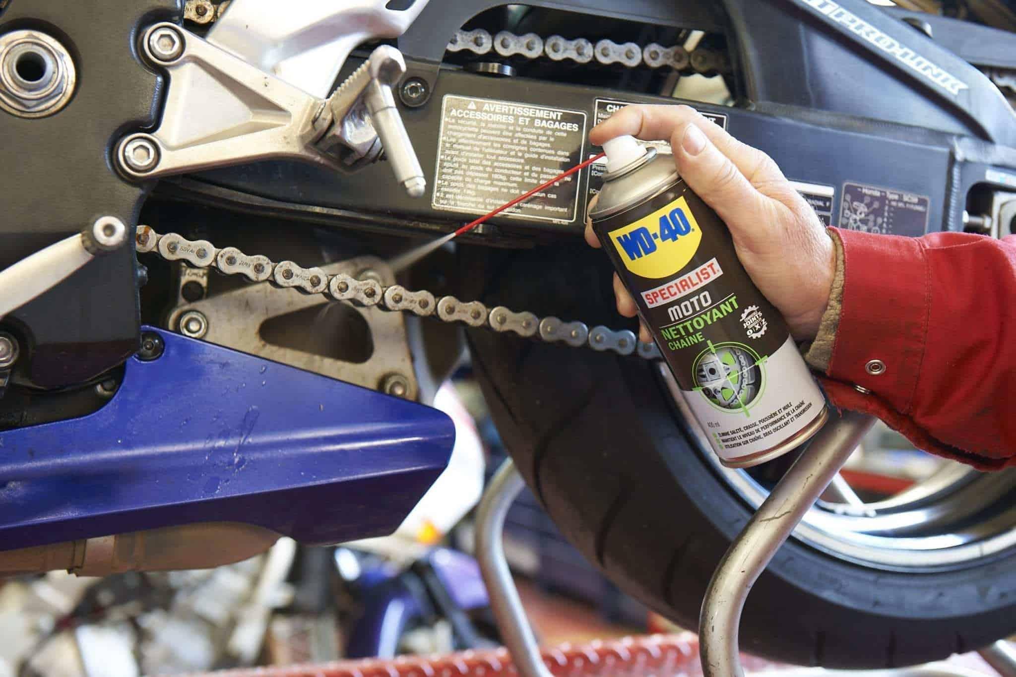 Cómo engrasar la cadena de la moto (parte 1)