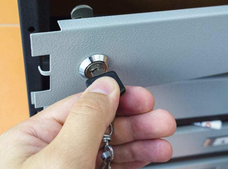 cambiar la cerradura del buzón