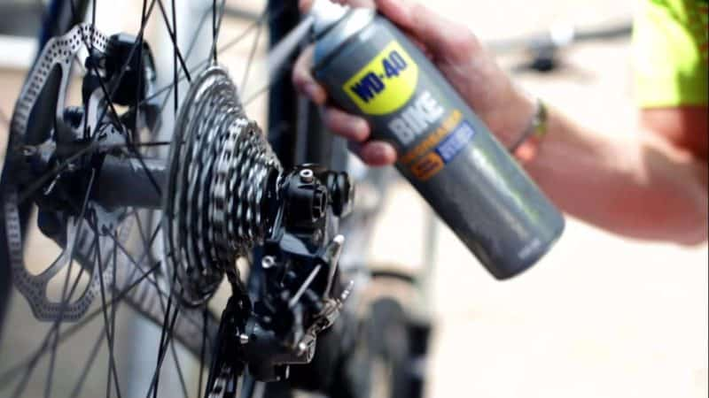mantenimiento bici limpiar la cadena de la bici